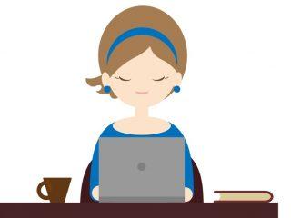 パソコンに向かう青い服の女性のイラスト