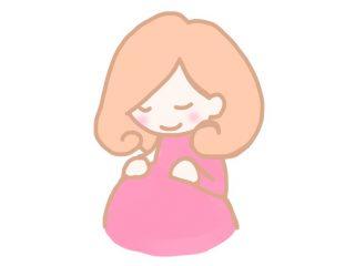 ピンクの服を着たカワイイ妊婦